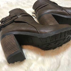 DIBA brown heeled ankle bootie!